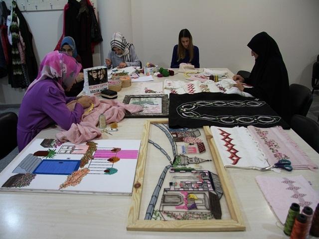 Esenyurtlu Kadınlar Hem Üretiyor Hem Kazanıyor