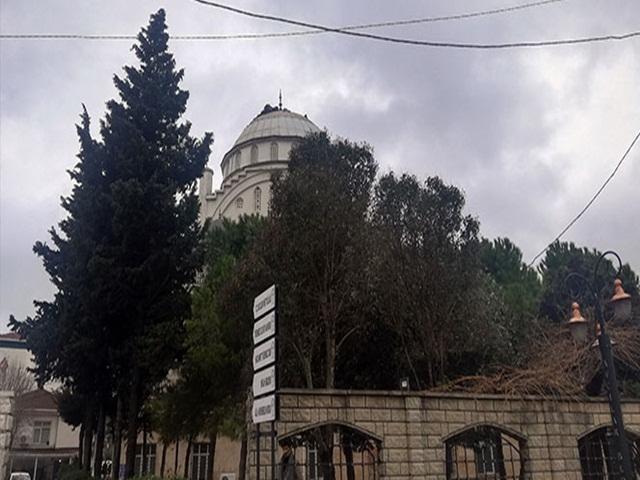 Minaresi Yıkılan Caminin bukezde kubbe kaplaması söküldü
