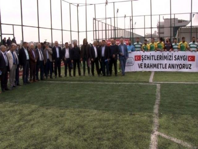 Esenyurt'ta iller arası futbol turnuvası başladı