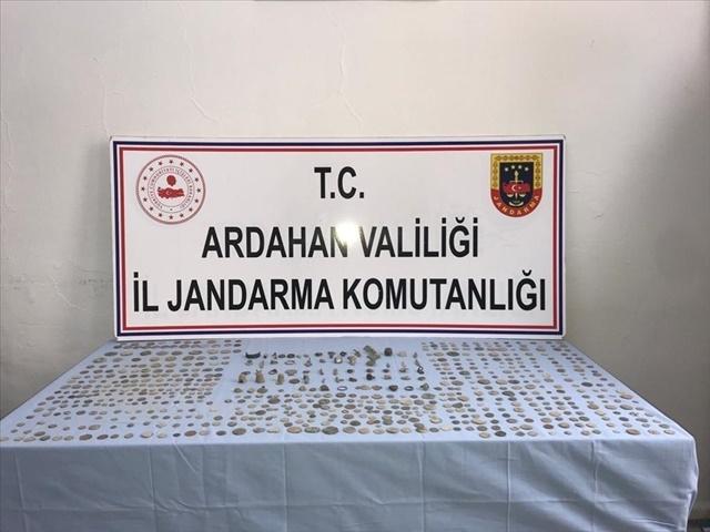 Ardahan'da çok sayıda tarihi eser ele geçirildi