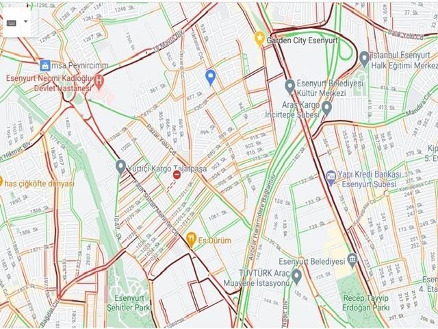 Kısıtlamaya saatler kala Esenyurt'ta trafik çilesi!