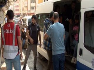 Esenyurt'ta 1 daireden 25 kaçak göçmen çıktı