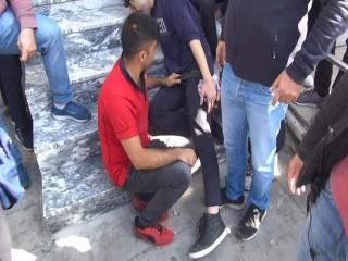 Esenyurt'ta Bir Öğrenciyi Bıçaklayarak Gasp Ettiler