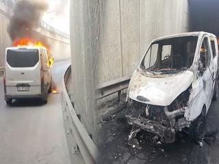 Esenyurt'ta minibüs alev alev yandı