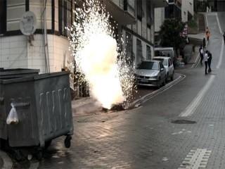 Esenyurt'ta yeraltı kablolarında patlama