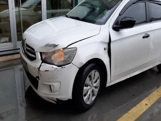 Önce evi soydular sonra araba çalıp kaza yaptılar
