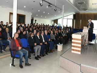Esenyurt Belediyesi ve 113 Nolu Taşıyıcılar Kooperatifi'nden eğitim semineri