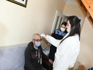 Esenyurt Belediyesi Yaşlı ve Hastaların Ayağına Gitti