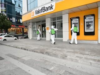 Esenyurt'ta Bankalar Dezenfekte Ediliyor