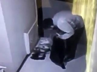 Esenyurt'ta Hırsızlar Kapılara Bırakılan Ayakkabılara Yöneldi