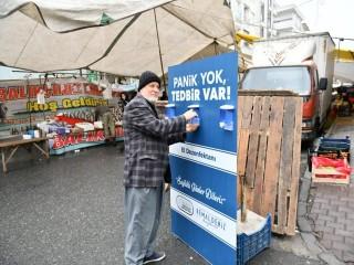 Esenyurt'ta Pazarlara El Dezenfektan Üniteleri Kuruldu