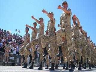 Hulusi Akar açıkladı: Askerlik uzadı