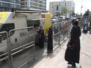 PTT'den Esenyurt'taki kuyruğa 'Mobil çözüm'