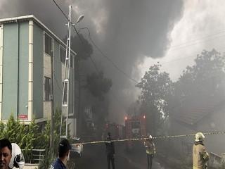Avcılar'da plastik fabrikası alev alev yandı!