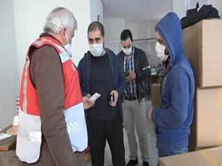 Esenyurt'ta 100 bin kaçak üretilen maske ele geçirildi