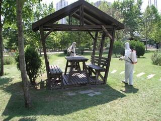 Esenyurt'ta Parklar ve Piknik Alanları Dezenfekte Ediliyor