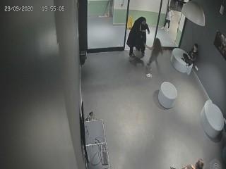 Esenyurt'ta maske uyarısı yapan kız çocuğuna şiddet