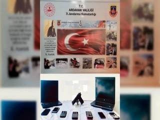 Ardahan merkezli 6 ilde kaçakçılık operasyonu: 10 gözaltı