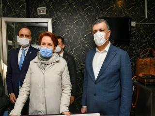 Akşener ve Bozkurt Esenyurt Esnafını ziyaret etti