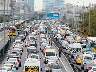 İstanbul'da Trafik artık tüm gün sıkışık