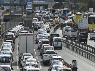 82 saatlik kısıtlama öncesi trafik yoğunluğu; yüzde 75