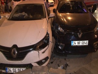 Esenyurt'ta feci kaza: 2 yaralı