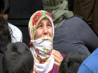 Esenyurt'ta Yangın: Alevleri gözyaşları içinde izledi