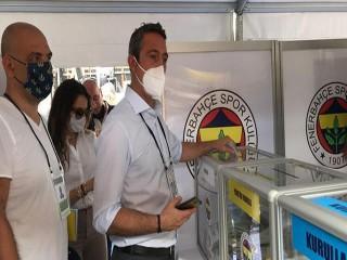 Fenerbahçe'de Ali Koç yeniden başkan seçildi