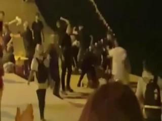 Büyükçekmece'de çıkan kavgada çalışanlar müşterileri denize attı