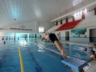 Esenyurt Belediyesi Yüzme Kursu Kayıtları Başladı