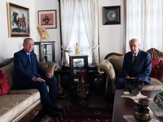 Cumhurbaşkanı Erdoğan'dan Devlet Bahçeli'ye evinde ziyaret