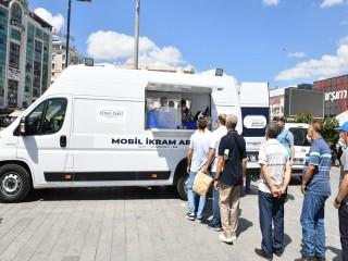 Esenyurt Belediyesi vatandaşlara aşure ikram etti