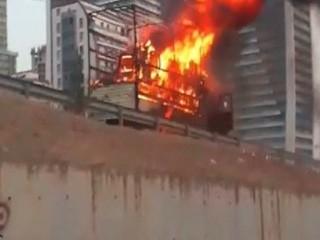 Esenyurt'ta bir kamyon alev alev yandı