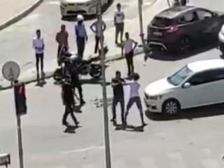 Esenyurt'ta Kaza yapan sürücüler birbirine saldırdı! O anlar ise kameraya yansıdı