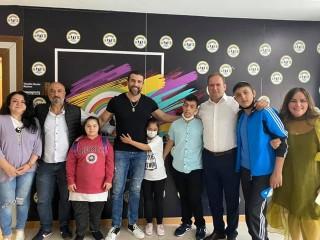 Ünlü Oyuncu Cengiz Çoşkun Esenyurt'ta Özel Çocukları ziyaret etti