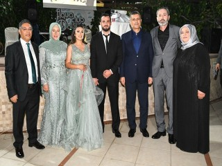 Zeynep Karakoç İle Ercan Güney Çifti Rüya Gibi Nişan Töreniyle evliliğe ilk adımı attı