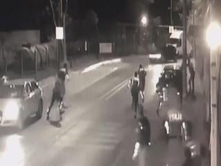 Avcılar'da polise silahlı saldırı!