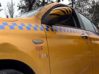 Yolcu olarak bindiği taksiyi çalıp 3 gün taksicilik yapmış