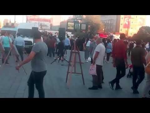 Esenyurt'ta kadın cinayetlerine dikkat çekme sergisi