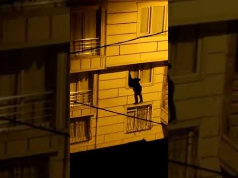 Esenyurt Akçaburgaz Mahallesin'de hırsızlık kameraya böyle yansıdı
